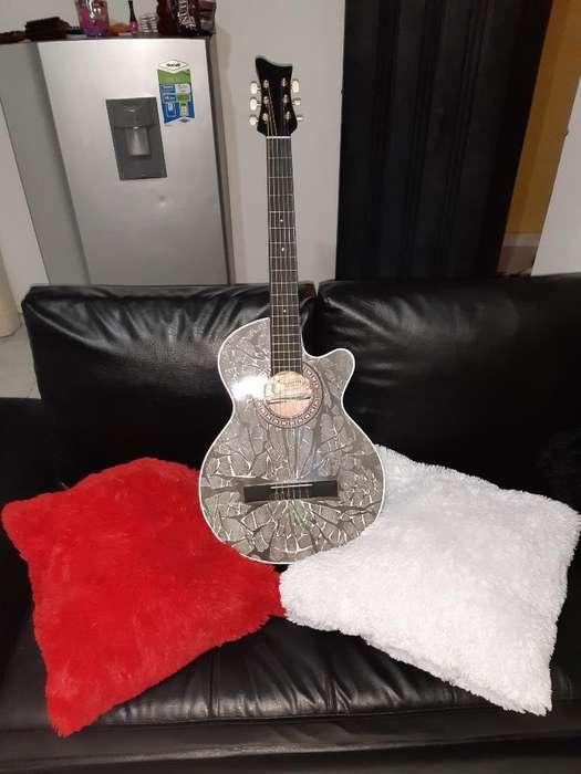 Se Vende Hermosa Guitarra