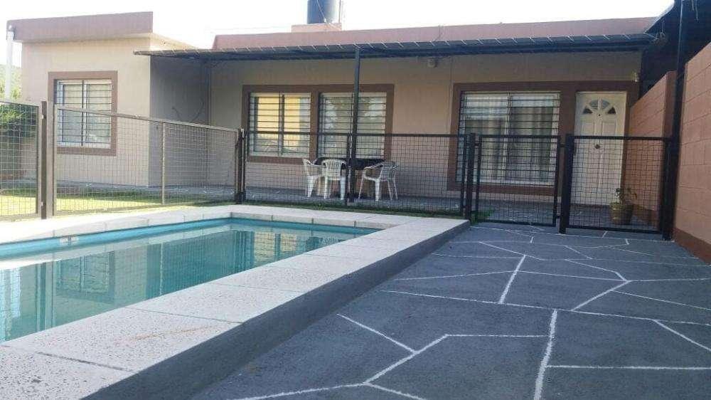 pu35 - Casa para 5 a 8 personas con pileta y cochera en Villa Carlos Paz
