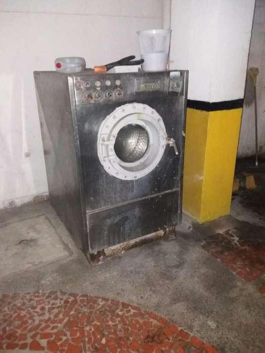 se vende lavadora industrial