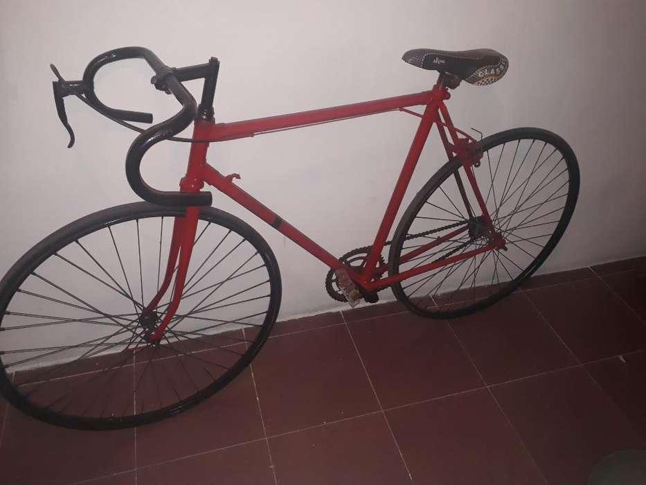 Bicicleta de Media Carrera