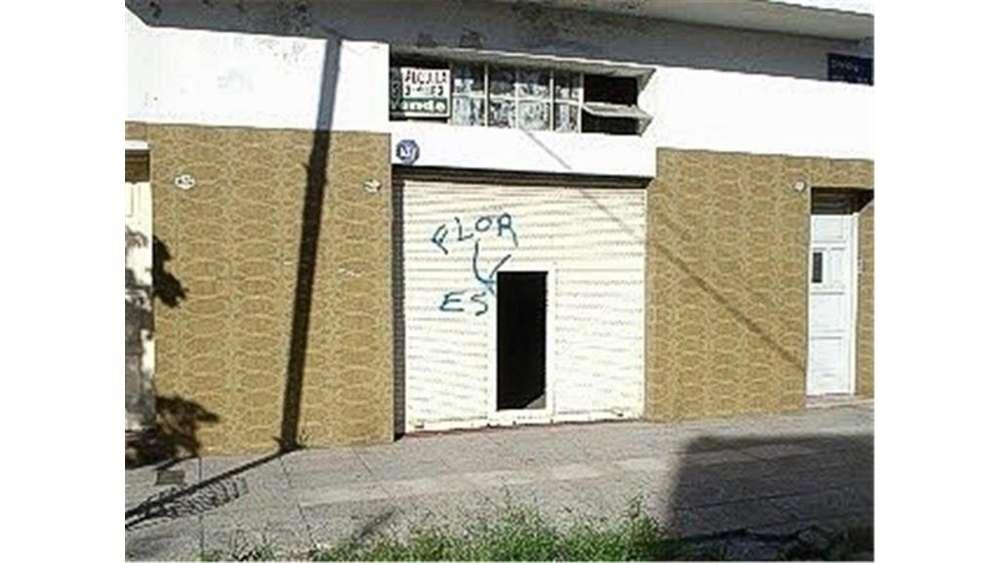 Chivilcoy 1653 - 11.000 - Local Alquiler