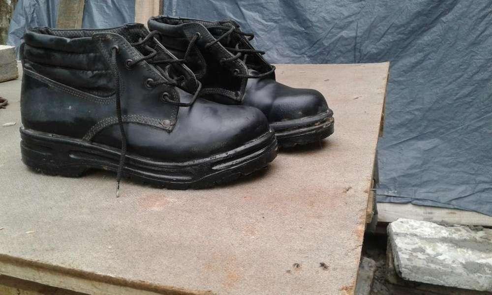 vendo zapatos punta de acero