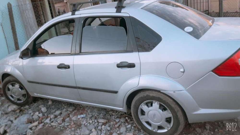 Ford Fiesta  2005 - 1 km