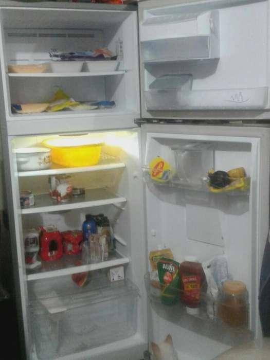 <strong>refrigerador</strong> Indurama