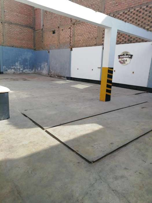Local comercial 240 m2