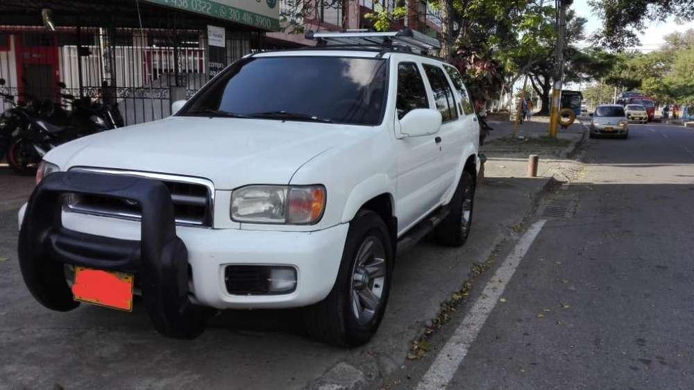Nissan Pathfinder 1999 - 209000 km