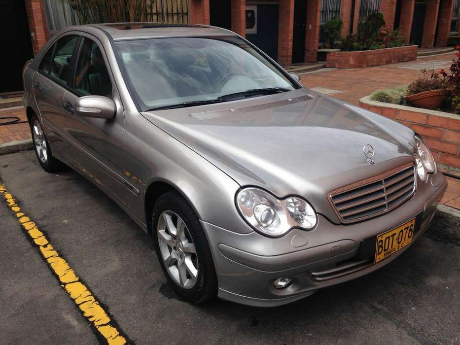 Mercedes-Benz Clase C 2005 - 76000 km