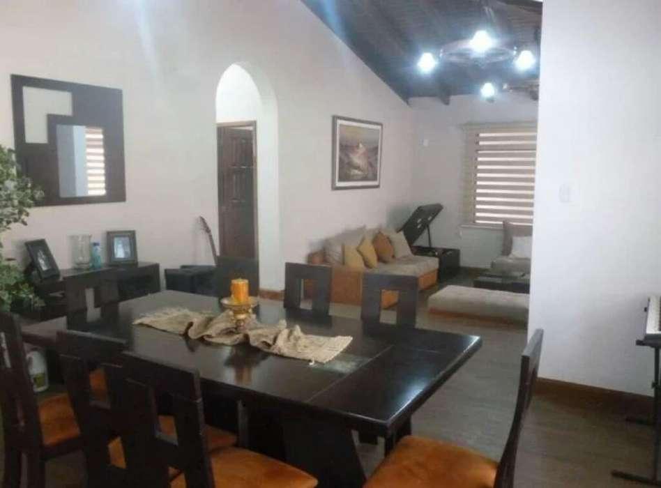 Casa Comercial con Local 4 Dormit 4 Baño