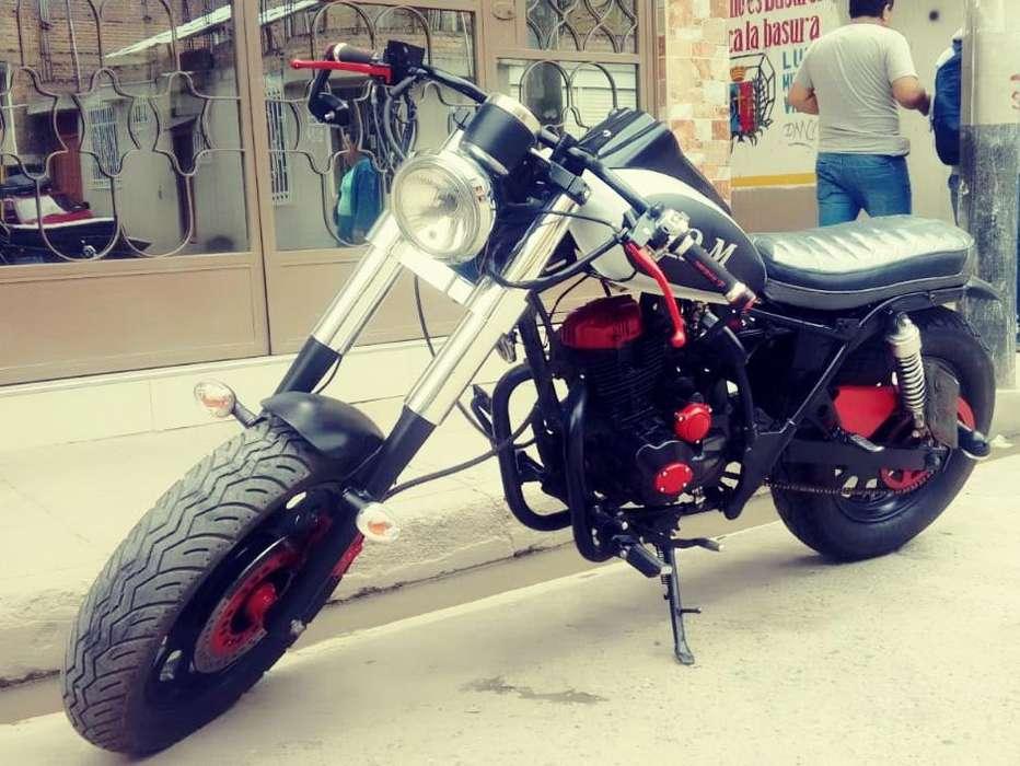 En venta moto modificada estilo <strong>harley</strong> DAVIDSON BRAT CAFE RACER