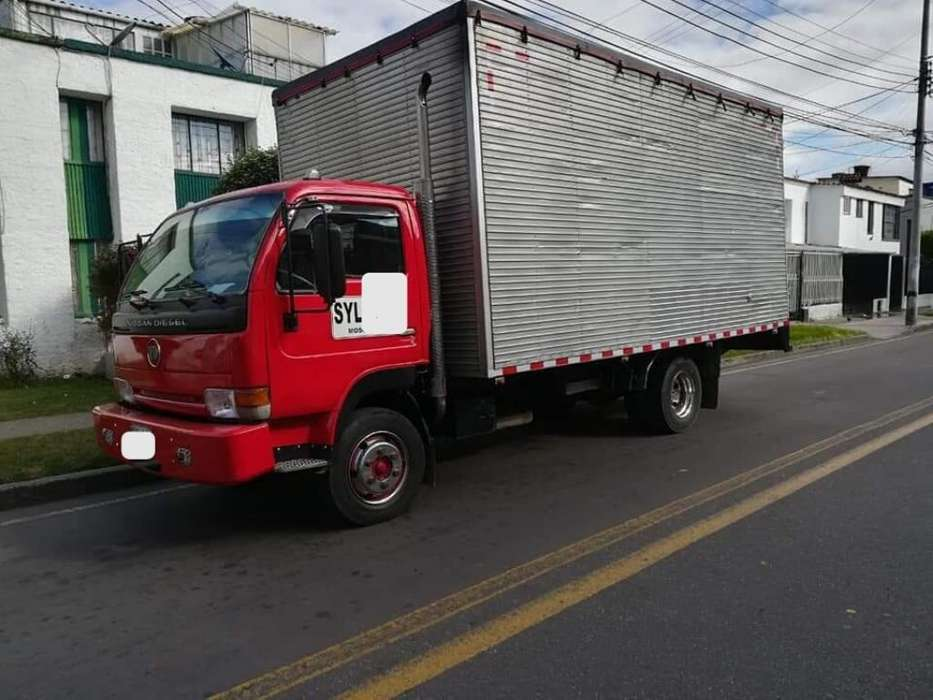 Camion Nissan UD41
