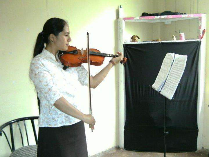 Academia vivaldi :piano violin guitarra flauta canto viola cello saxo trompeta