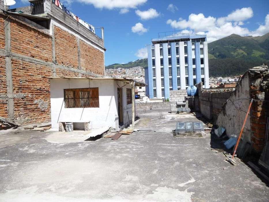 Venta de 1227 m2 de terreno en la Colon y 2 casas.