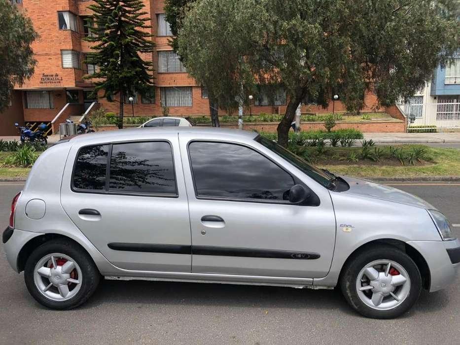 Renault Clio  2006 - 106500 km