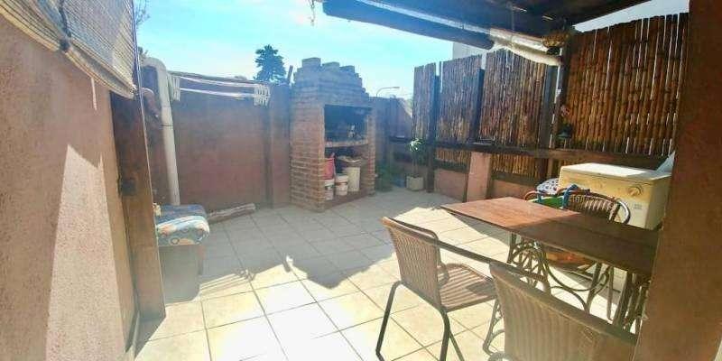 Vendemos PH 4 ambientes con cochera/patio con parrilla. IMPECABLE