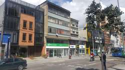 EXCELENTE OFERTA. OFICINA y Depósitos. Chapinero central Bogotá. Sector comercial e institucional.