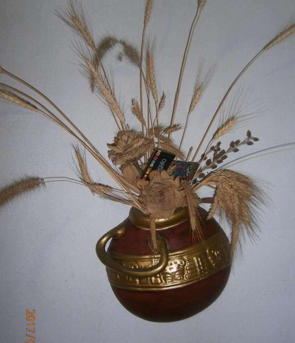 Comedor en 500 con este adorno de 40mil para sala ANFORA PARED o jarron en perfecto estado...