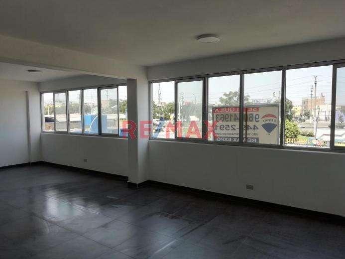 Se alquila amplia oficina remodelada de 72 m2 en el Callao