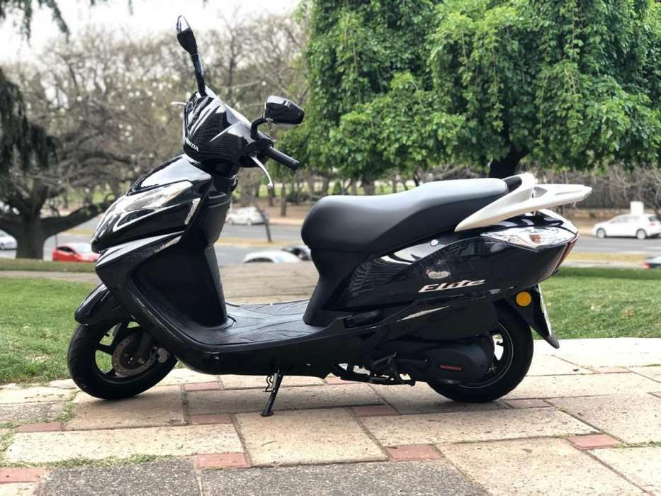 <strong>honda</strong> Elite 2017 125cc Scooter Moto Motoneta Negra Usada