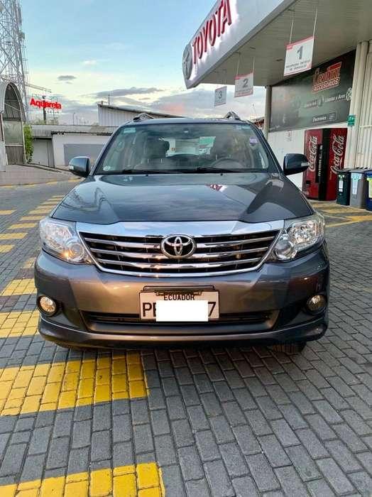 Toyota Fortuner 2012 - 75000 km