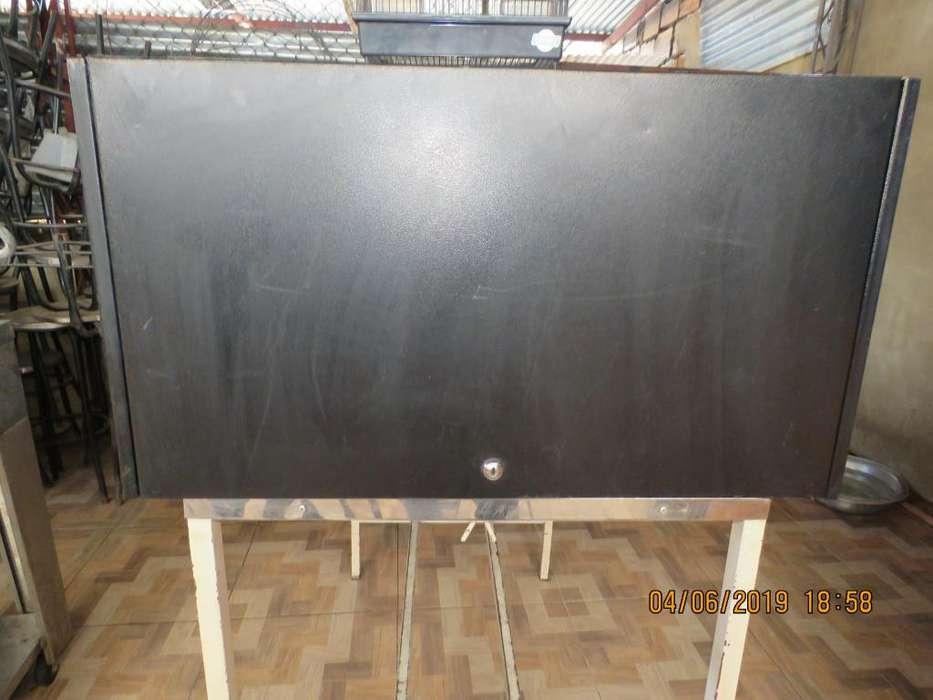 VENDO Archivador de pared metalico para oficina Usado.