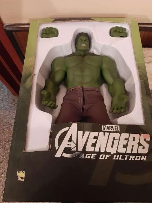 Vendo Muñeco Hulk Nuevo