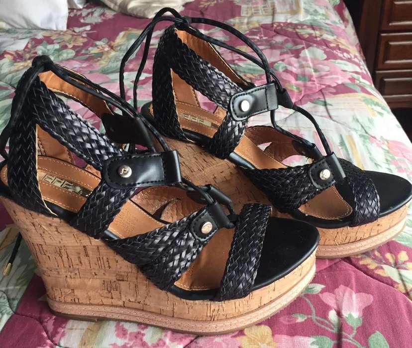 492972698ba Zapatos  Ropa y Calzado en venta en Quito