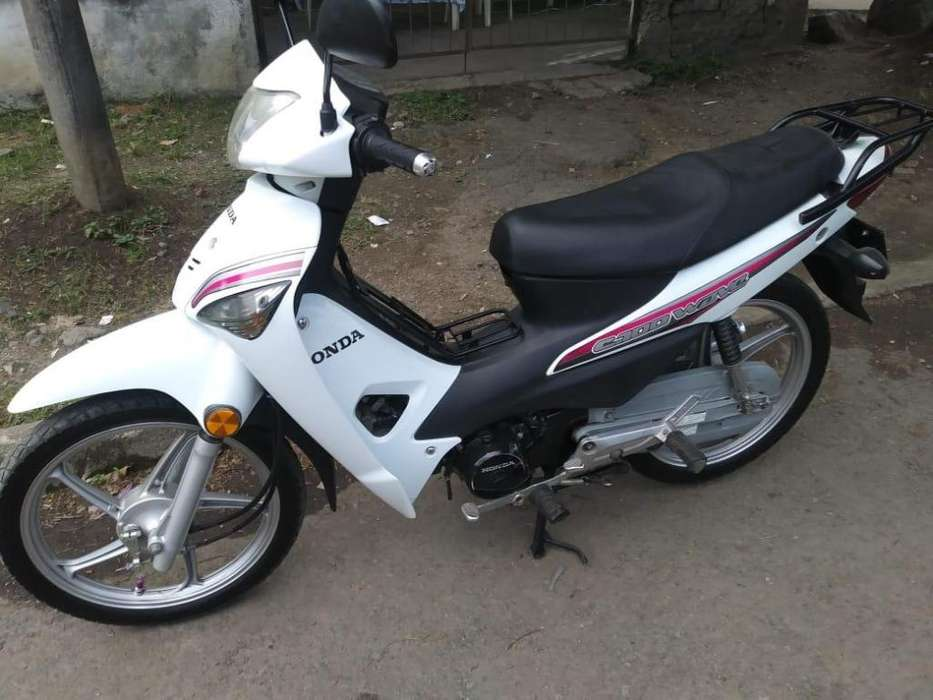 Vendo Moto Honda c100 wave