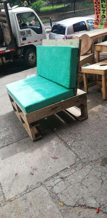 Muebles en Madera de Estiba