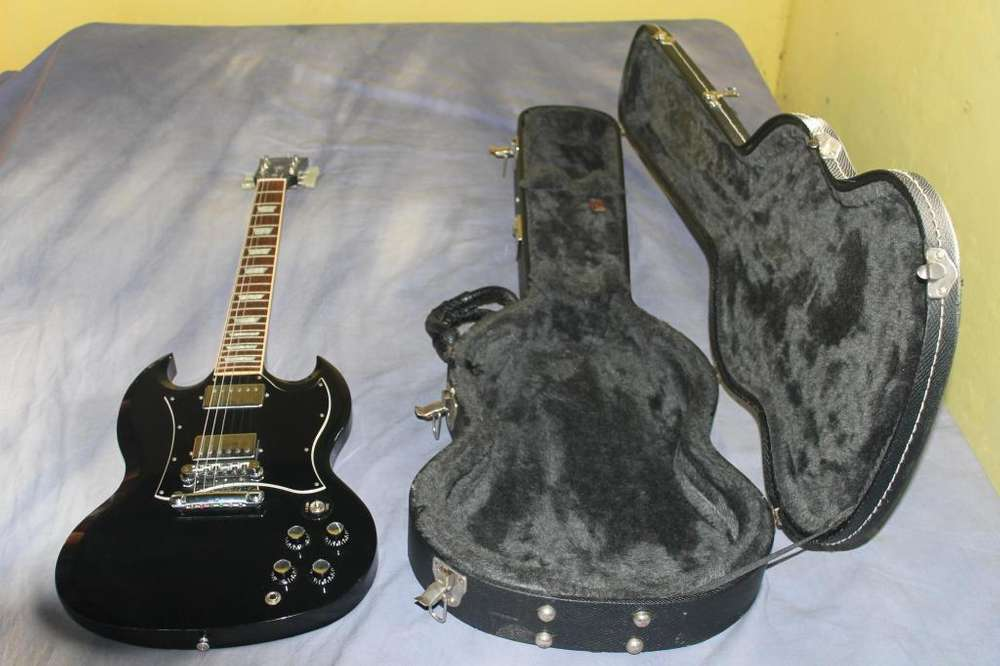 Gibson SG standard Deluxe Edition black