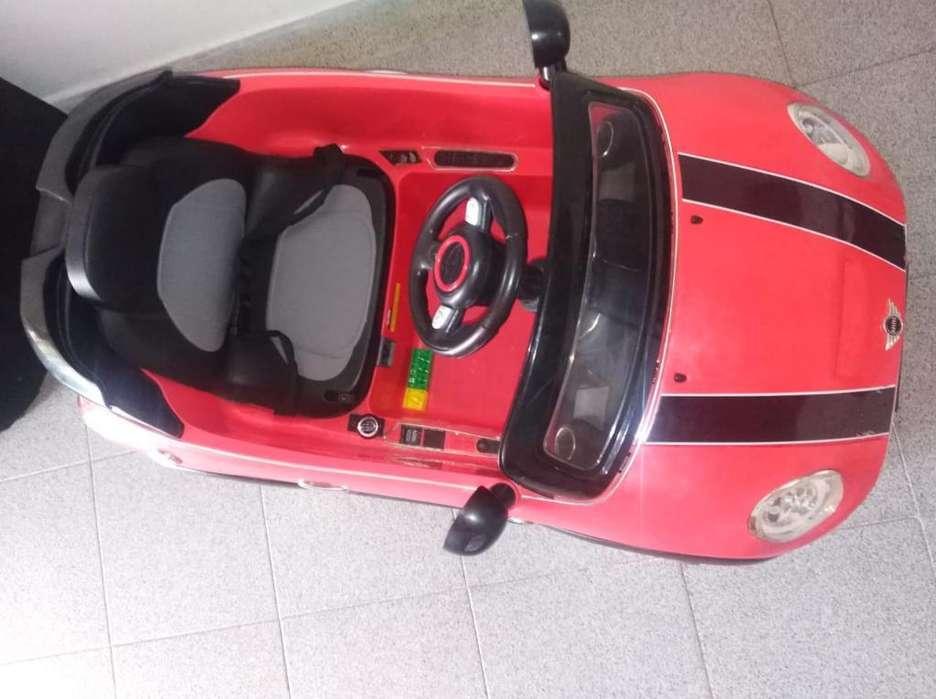 Vendo Carro Electrico,<strong>comedor</strong>,y Vitrina