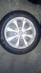 Juego de 4 ruedas armadas Fiat Uno Wey.