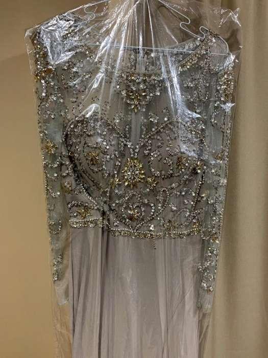 Vestido Gris de Brillo, Elegante