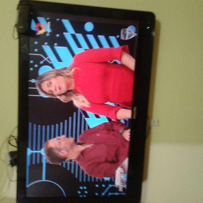 VENDO TV PLASMA MARCA PHILIPS 42--NO SE PERMUTA