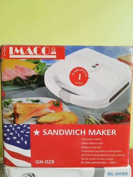 Sandwich Maker Marca Imaco Nueva en Caja