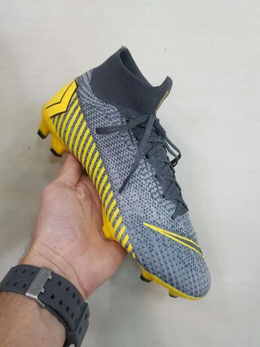 Guayos Nike Mercurial Over