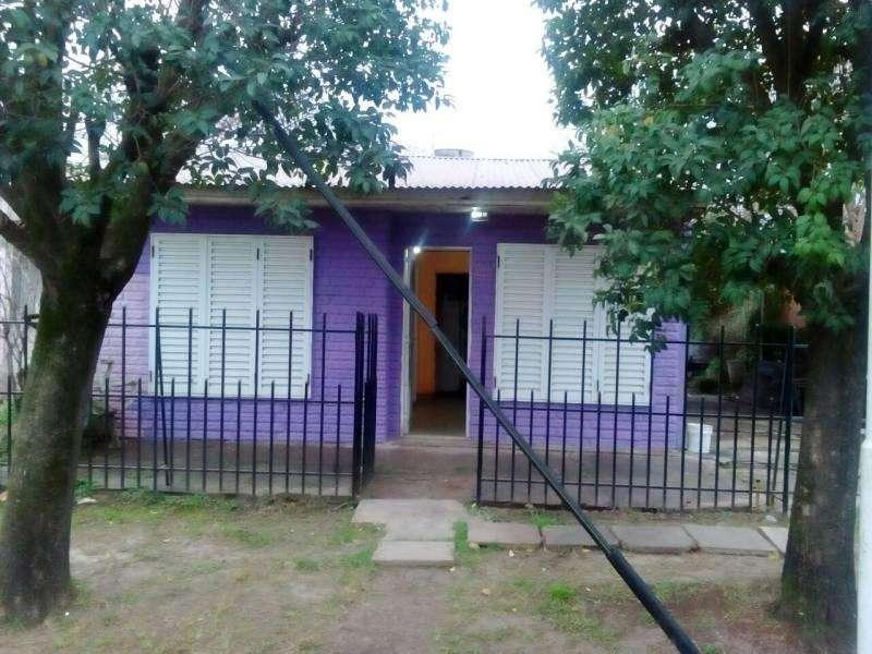 Alquiler de casa de 2 dormitorios en villa constitución