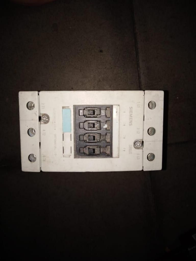 Contactor SIEMENS sirius 3rt10441A 90 Amperios