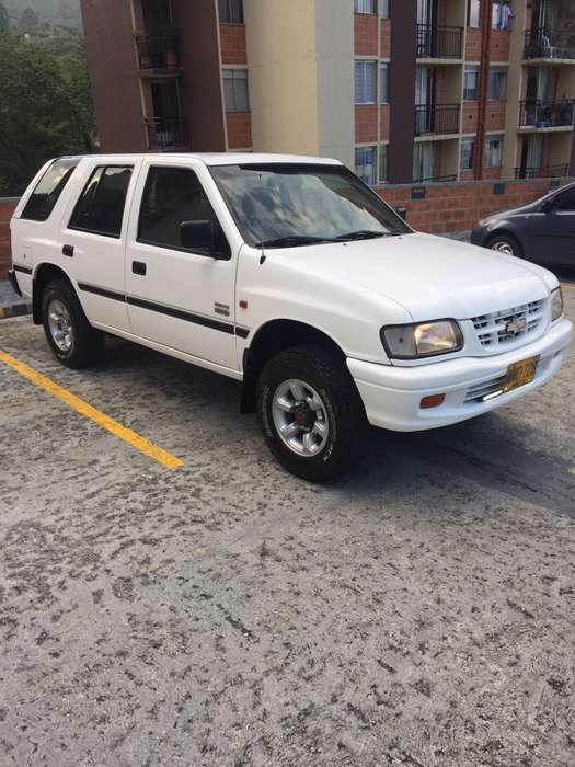 Chevrolet Rodeo 2000 - 240000 km