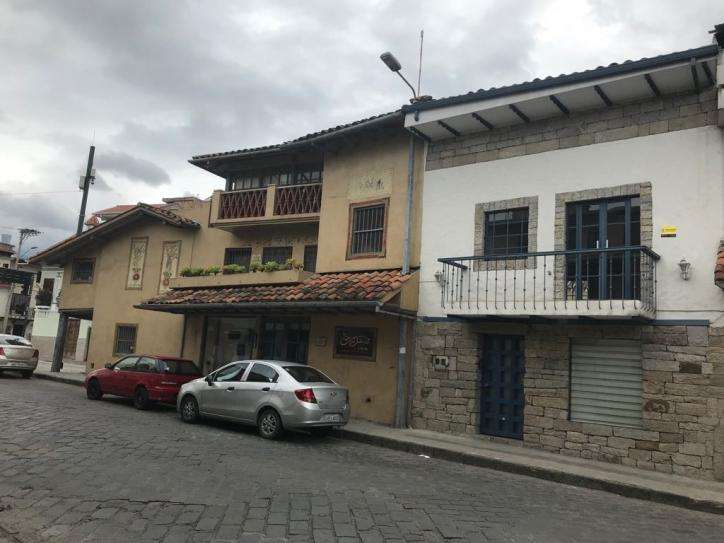 LOCAL COMERCIAL DE ARRIENDO 2 PLANTAS. SAN SEBASTIAN 690 MLP1921