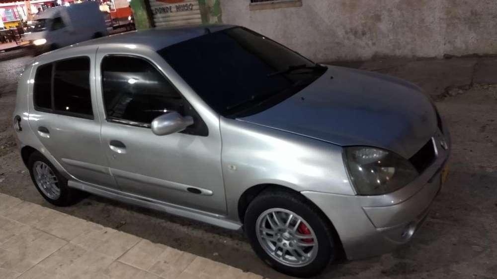 Renault Clio  2009 - 179289 km