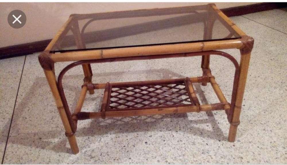 Se Vende Mesa de Bambu con Su Vidrio