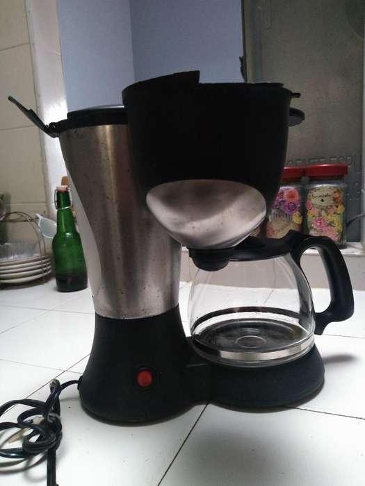 Se Vende Cafetera con Poco Uso