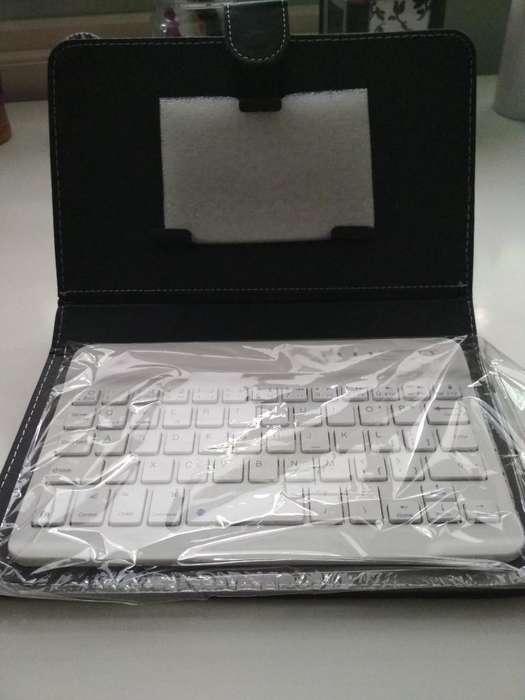 Soporte Tablet con Teclado de Goma