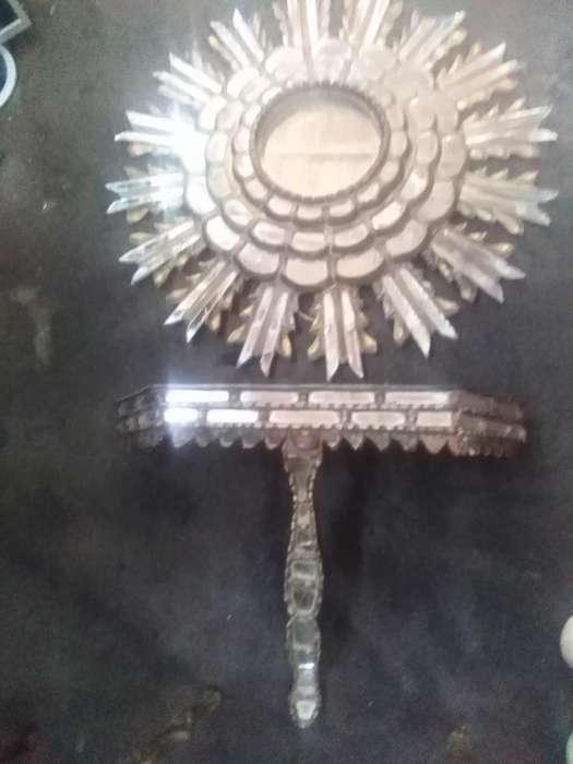 Antiguo Espejo en Pan de Oro