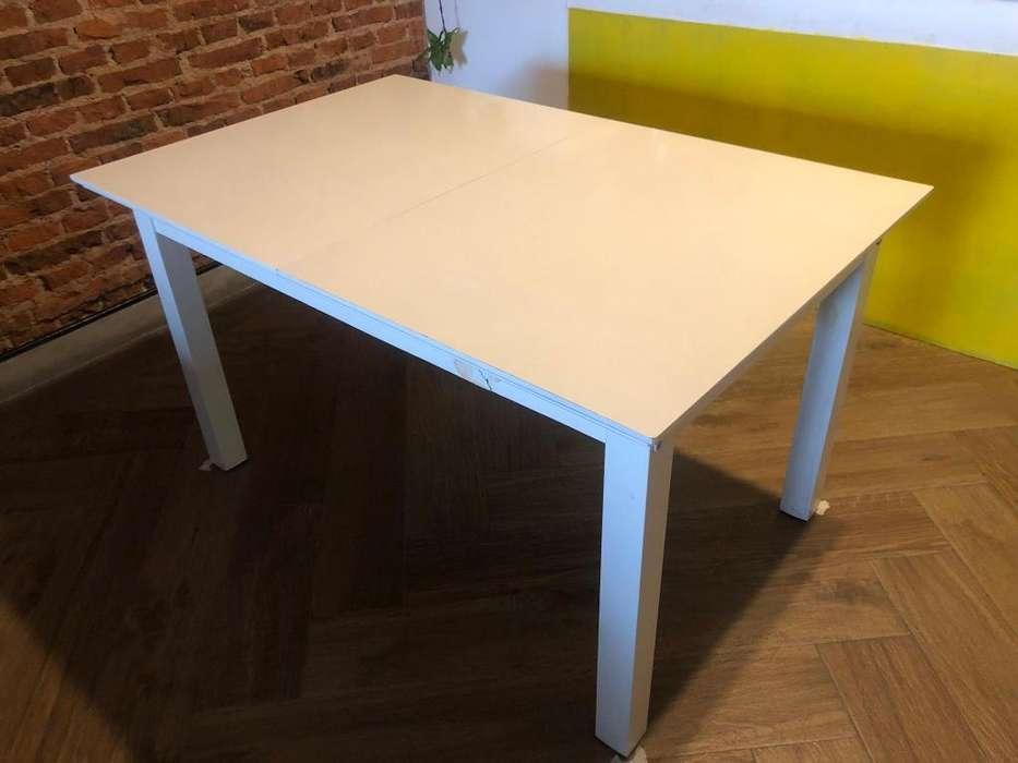 Mesa de <strong>comedor</strong> extensible blanca