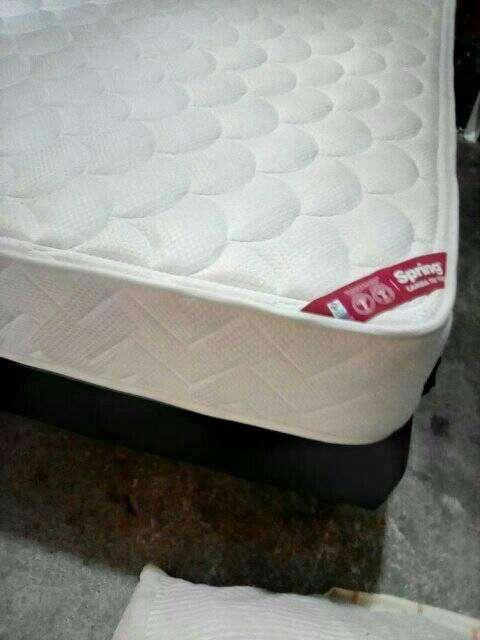 cama (base colchon spring de 1,40) usado