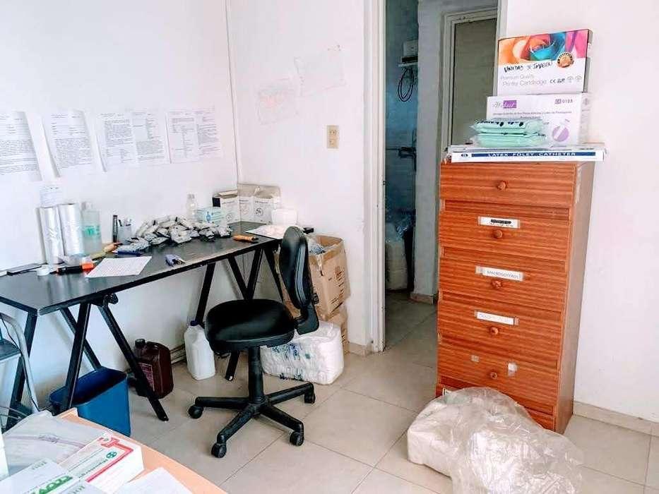 Oficina en alquiler, próxima a Av. Rafael Nuñez, Zona Norte