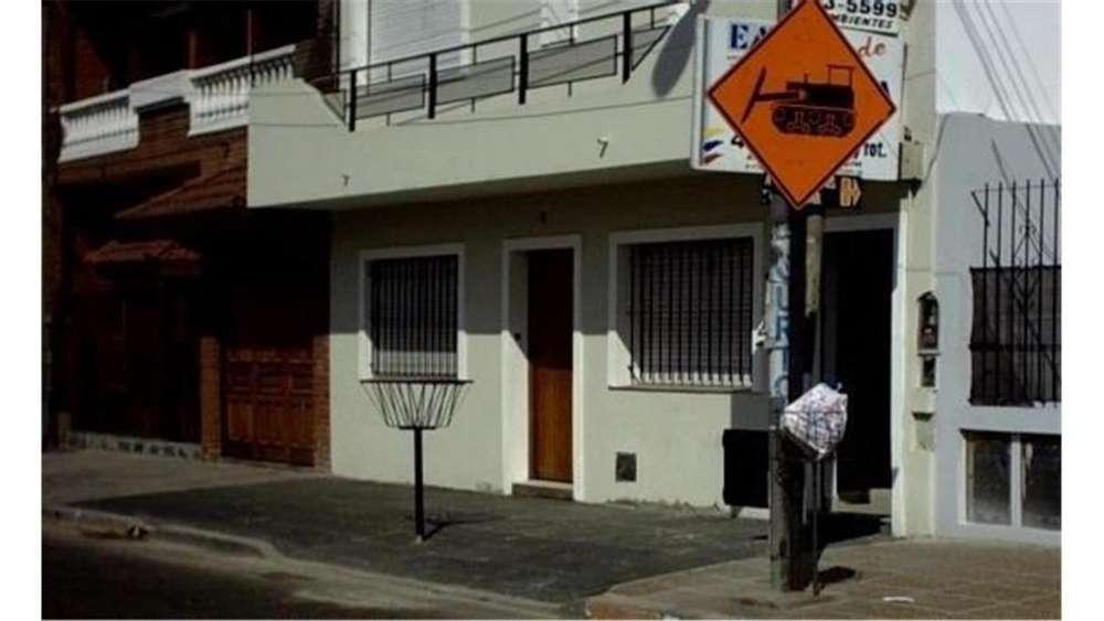 Gral Paz 600 1 - UD 62.000 - Departamento en Venta