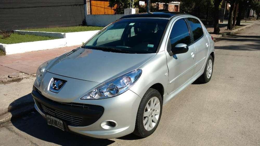Peugeot 207 2009 - 190000 km