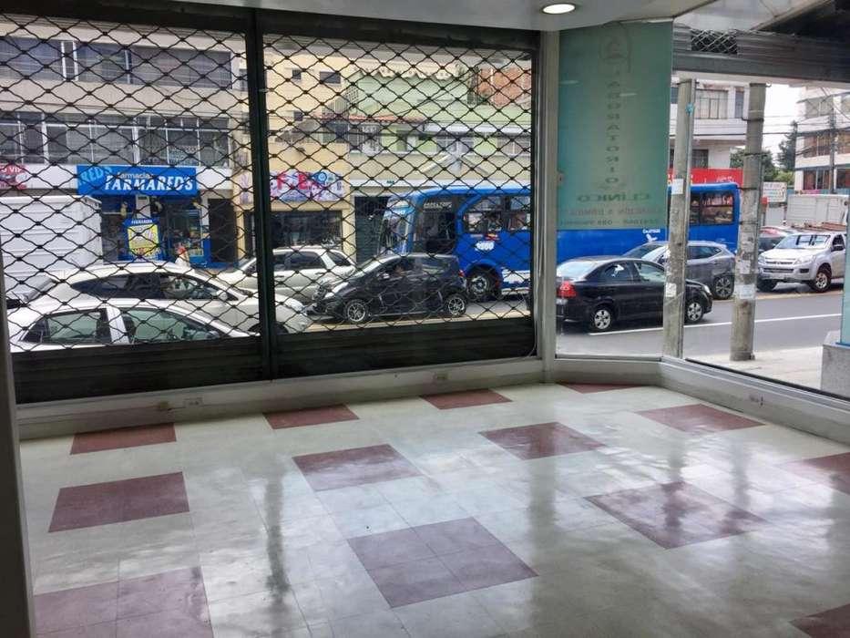 Se arrienda local comercial, sobre Avenida principal, Norte de Quito